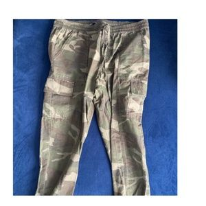 Abercrombie & Fitch Camo Cargo Joggers